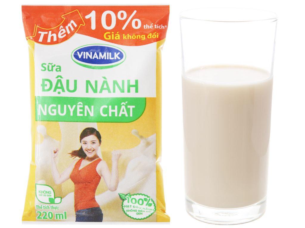 Thùng 48 bịch sữa đậu nành nguyên chất Vinamilk 220ml 3