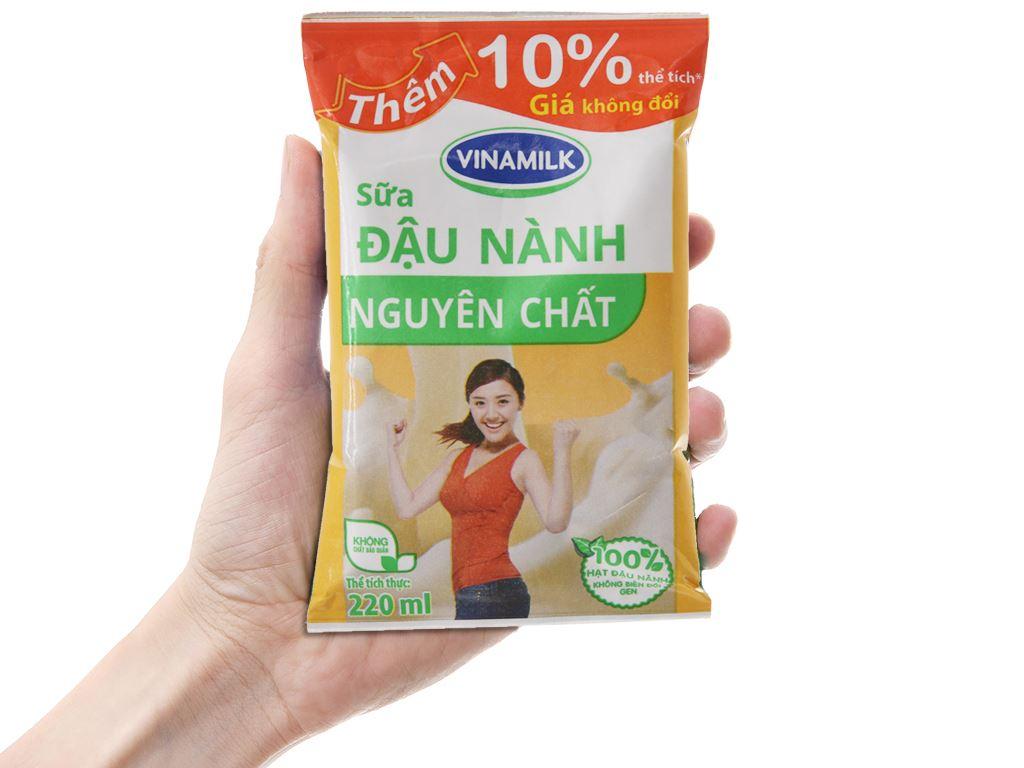 Thùng 48 bịch sữa đậu nành nguyên chất Vinamilk 220ml 5