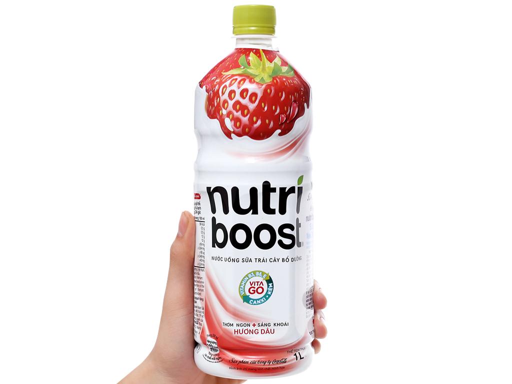 Lốc 6 chai sữa trái cây Nutriboost hương dâu 1 lít 6
