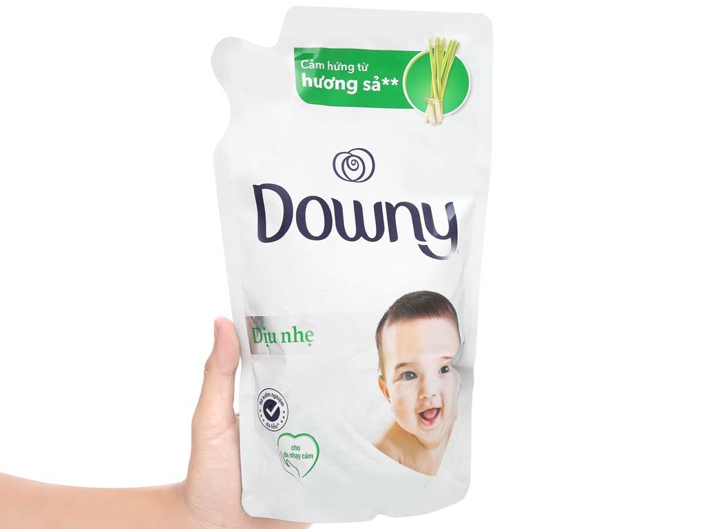 Nước xả cho bé Downy dịu nhẹ hương sả túi 800ml 5