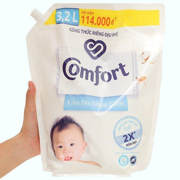 Nước xả cho bé Comfort cho da nhạy cảm hương phấn túi 3.2 lít