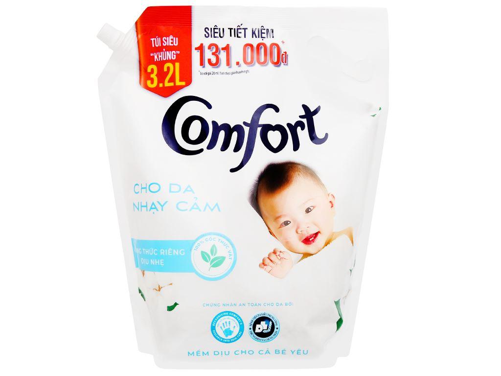 Nước xả cho bé Comfort cho da nhạy cảm hương phấn túi 3.2 lít 1