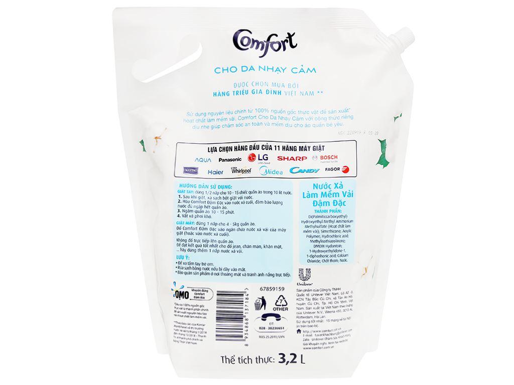 Nước xả cho bé Comfort cho da nhạy cảm hương phấn túi 3.2 lít 2