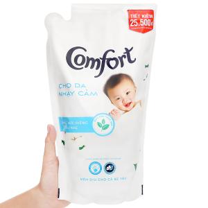 Nước xả cho bé Comfort cho da nhạy cảm hương phấn túi 1.6 lít