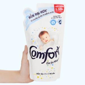 Nước xả cho bé Comfort cho da nhạy cảm hương phấn túi 800ml