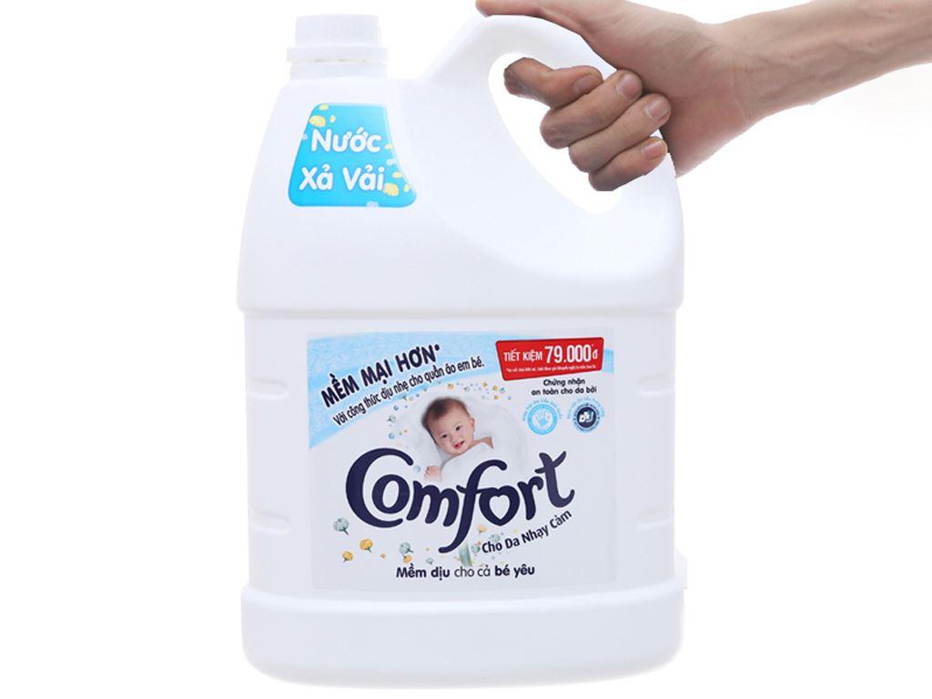 Nước xả cho bé Comfort cho da nhạy cảm hương phấn can 3.8 lít 4