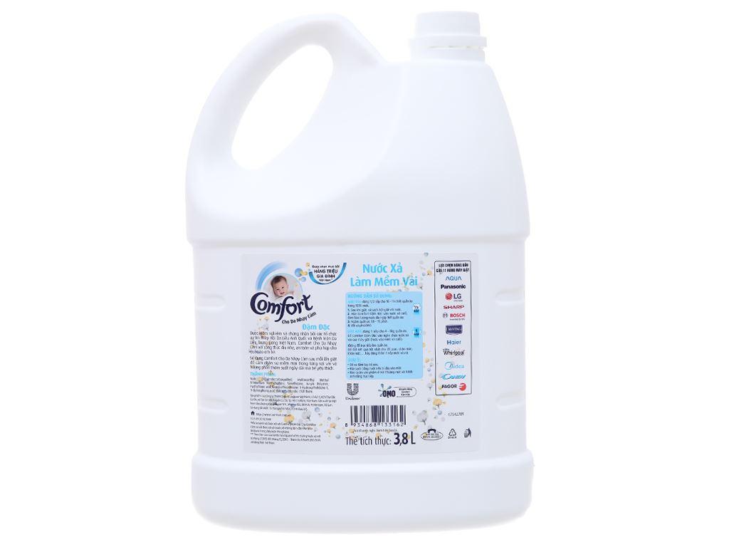 Nước xả cho bé Comfort cho da nhạy cảm hương phấn can 3.8 lít 2
