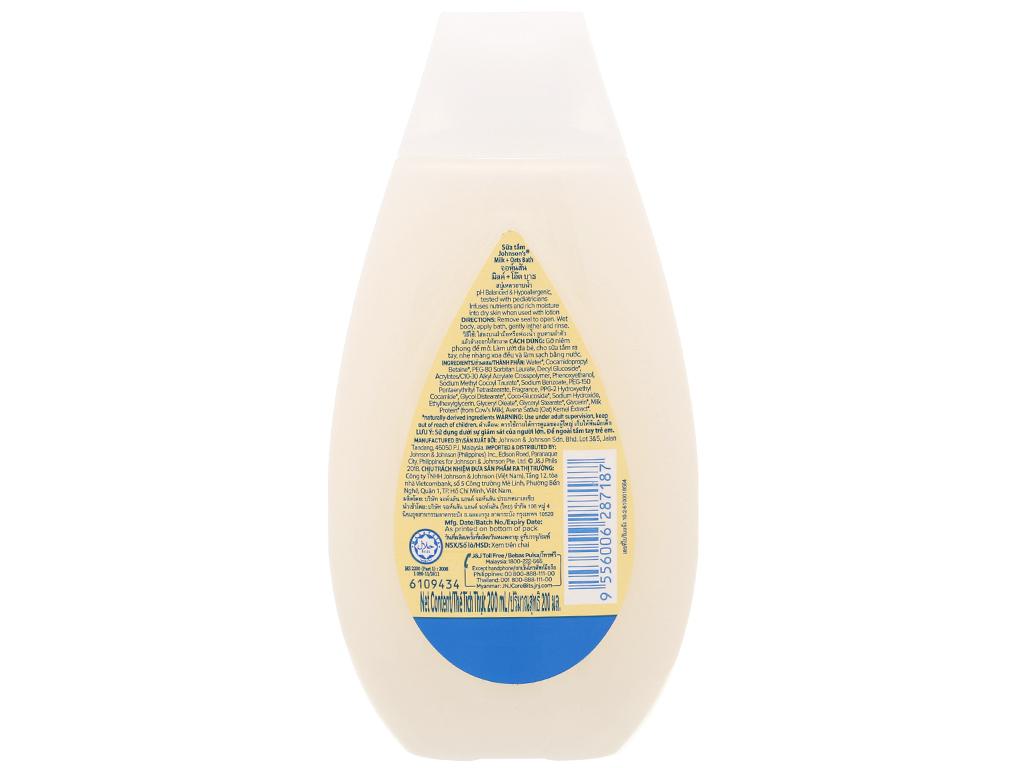 Sữa tắm gội Johnson's chứa sữa và yến mạch cheeky cherry 200ml 2