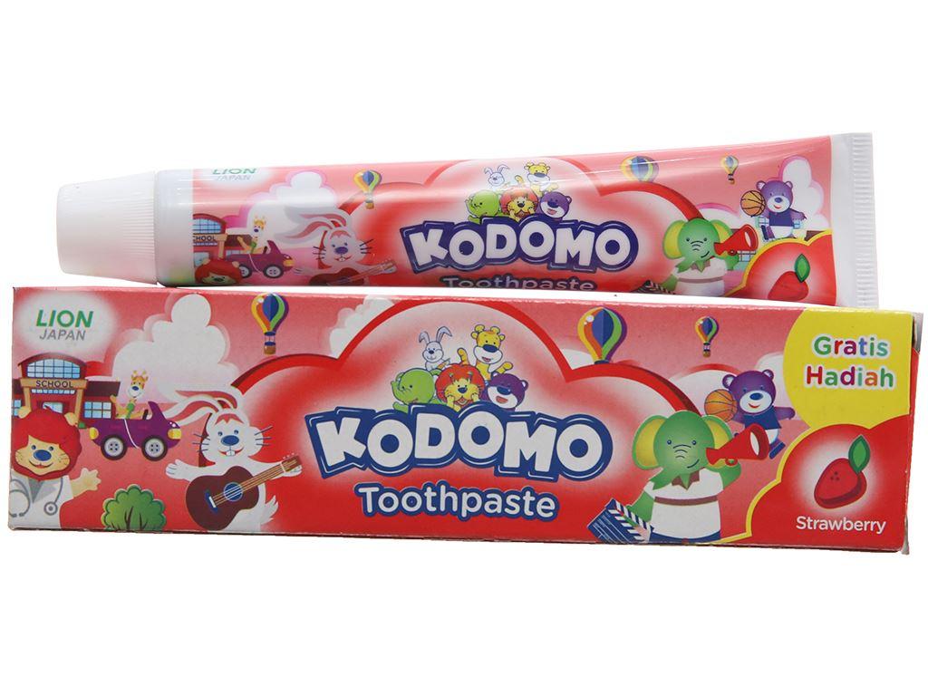 Kem đánh răng cho bé Kodomo hương dâu 45g 2