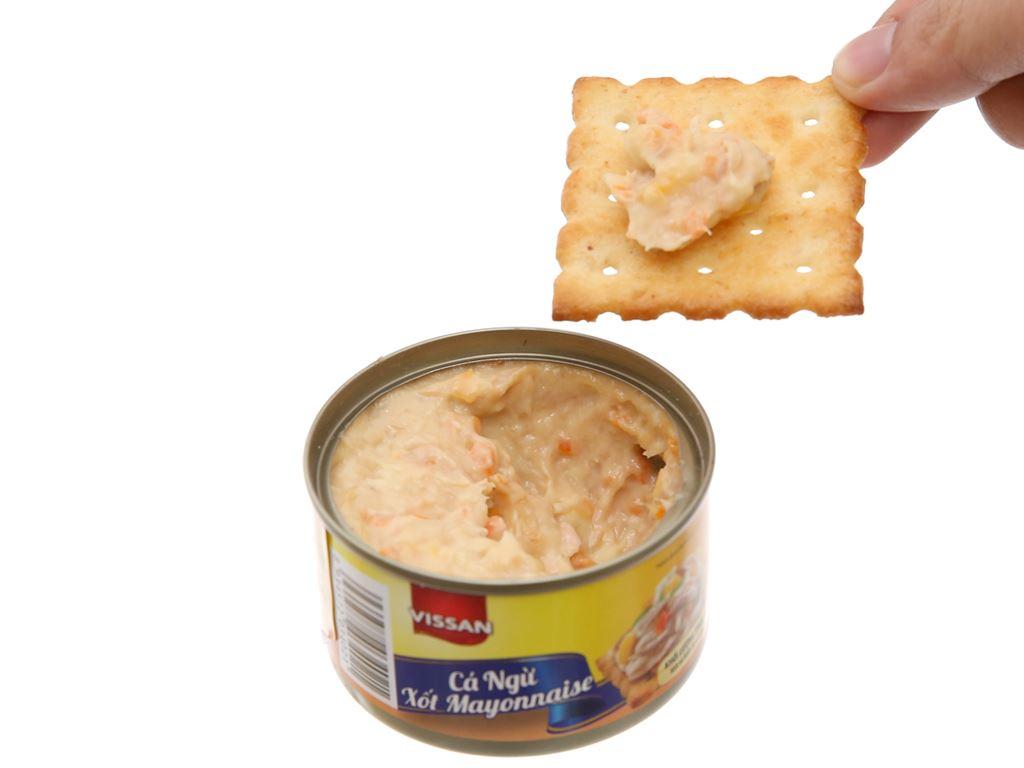 Cá ngừ xốt mayonnaise và bánh cracker Happy Meal Vissan hộp 110g 6