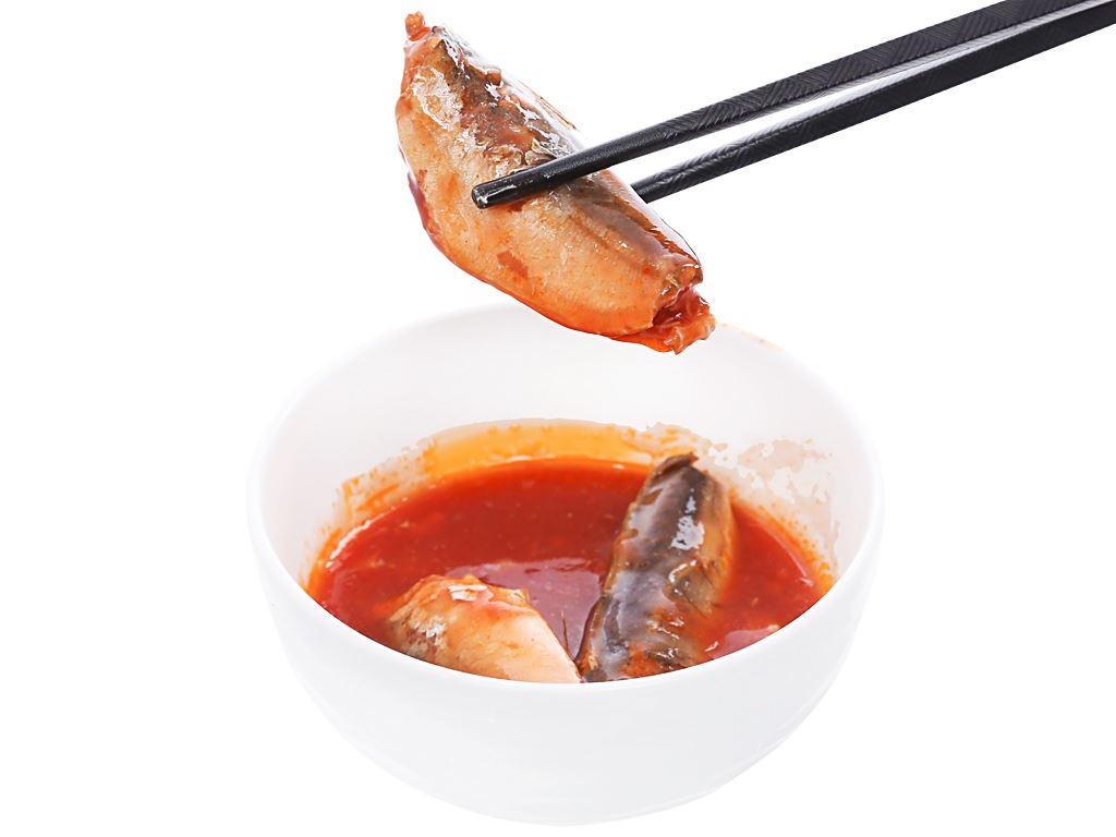 Cá nục xốt cà 3 Cô Gái hộp 155g 5