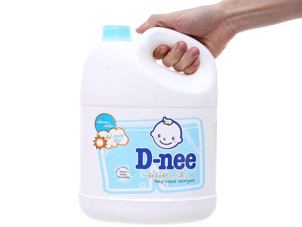 Nước giặt cho bé D-nee Lovely Sky xanh thơm lâu can 3 lít 4