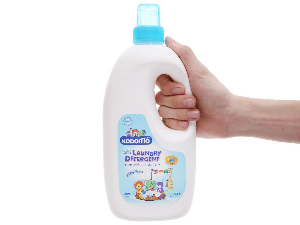 Dung dịch giặt tẩy cho bé Kodomo Extra Care dịu nhẹ chai 1 lít 4
