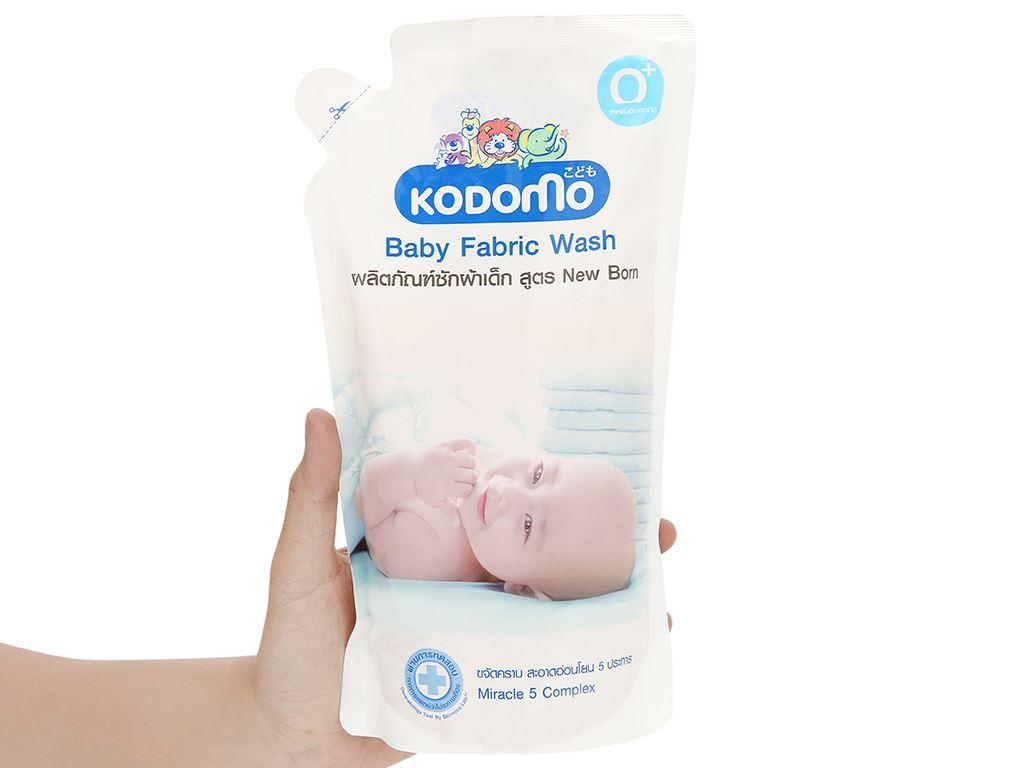 Dung dịch giặt tẩy cho bé Kodomo xanh túi 600ml 4