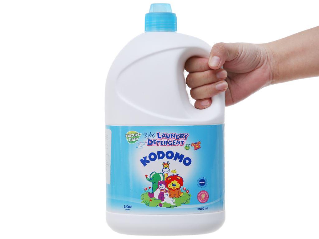 Dung dịch giặt tẩy cho bé Kodomo xanh dịu nhẹ chai 2 lít 3