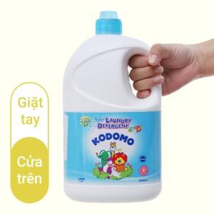 Dung dịch giặt tẩy cho bé Kodomo xanh dịu nhẹ chai 2 lít