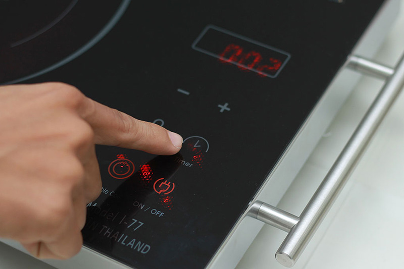 Hẹn giờ nấu tiện dụng - Bếp hồng ngoại Iruka I77