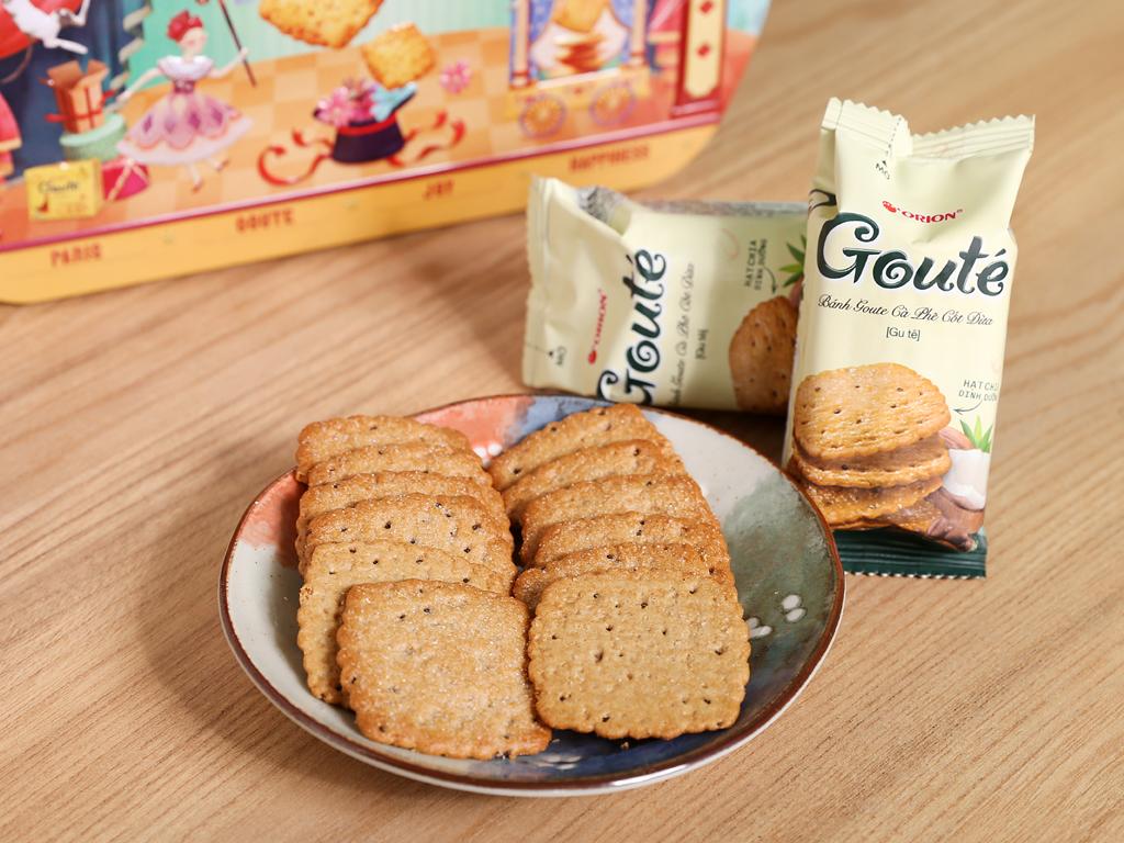 Bánh quy mè và dừa Gouté hộp thiếc 429g 7
