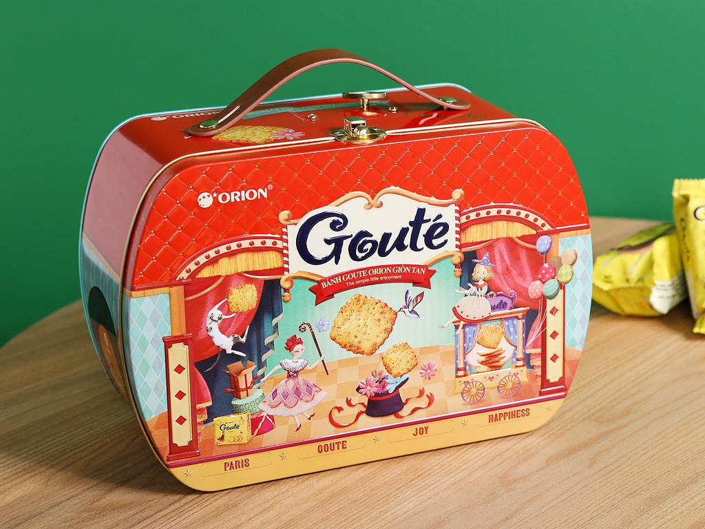 Bánh quy mè và dừa Gouté hộp thiếc 429g 5