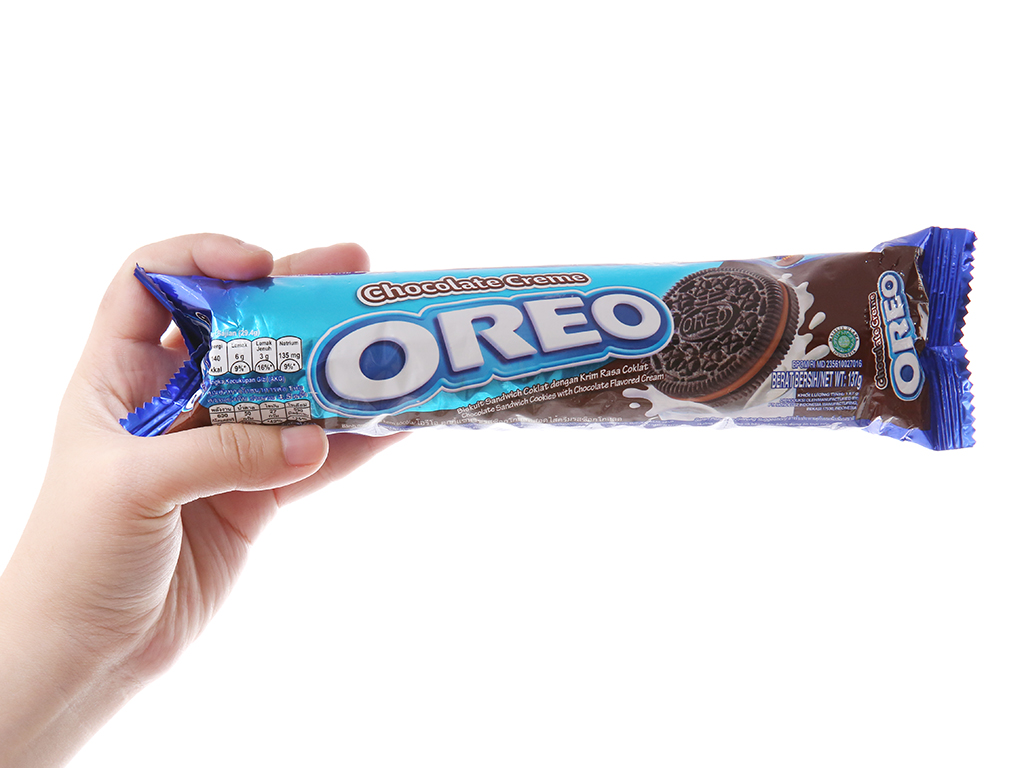 Bánh quy socola nhân kem socola Oreo gói 133g 5