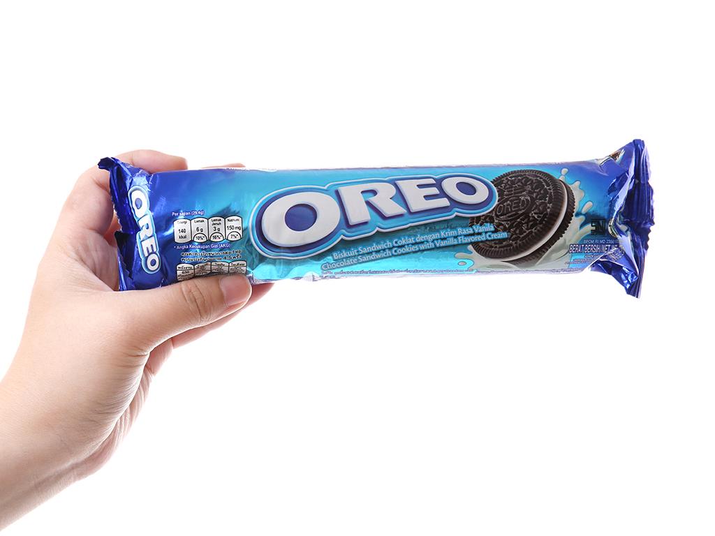 Bánh quy socola nhân kem vani Oreo gói 137g 5