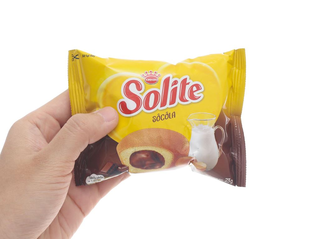 Bánh bông lan kem socola Solite hộp 276g (12 cái) 7