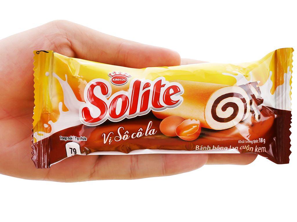 Bánh bông lan cuộn kem socola và lá dứa Solite hộp 360g 4