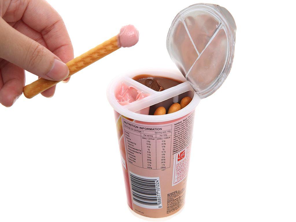 Bánh que Meiji Yan Yan chấm kem hương dâu và sô cô la ly 44g 3