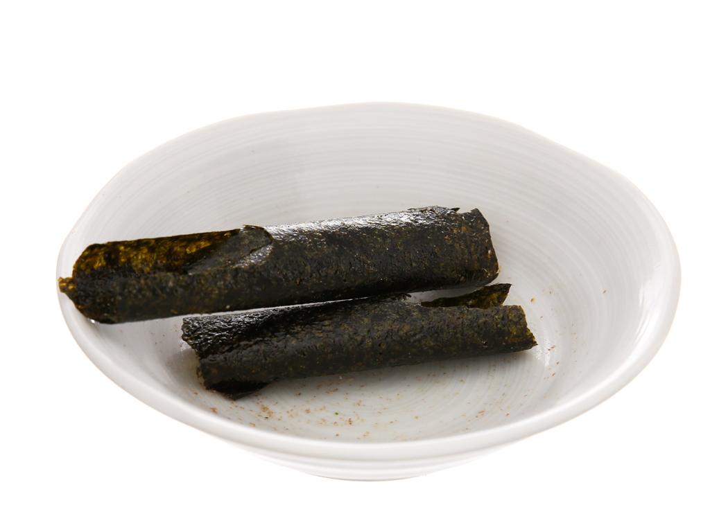 Snack rong biển nướng giòn Tao Kae Noi Big Roll Vị mực 21.6g 4