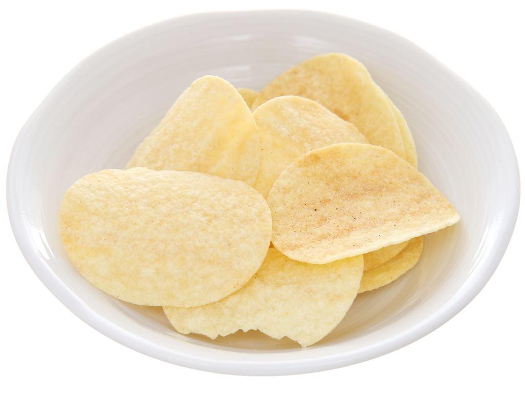 Snack khoai tây vị Smoky BBQ Pringles lon 147g 4
