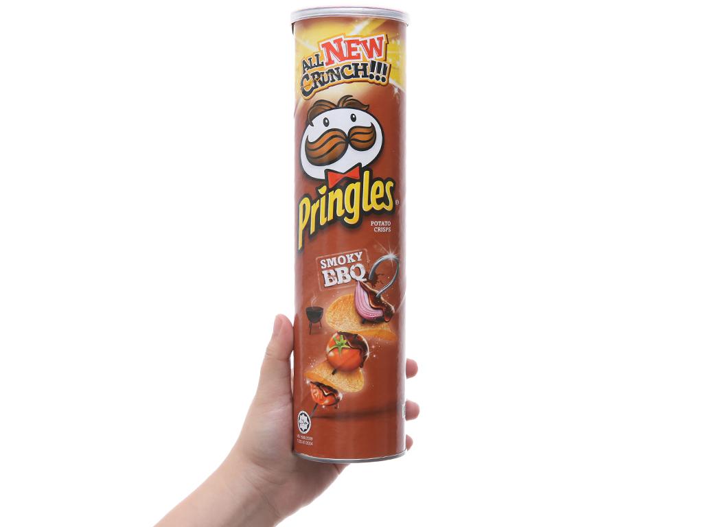 Snack khoai tây vị Smoky BBQ Pringles lon 147g 3