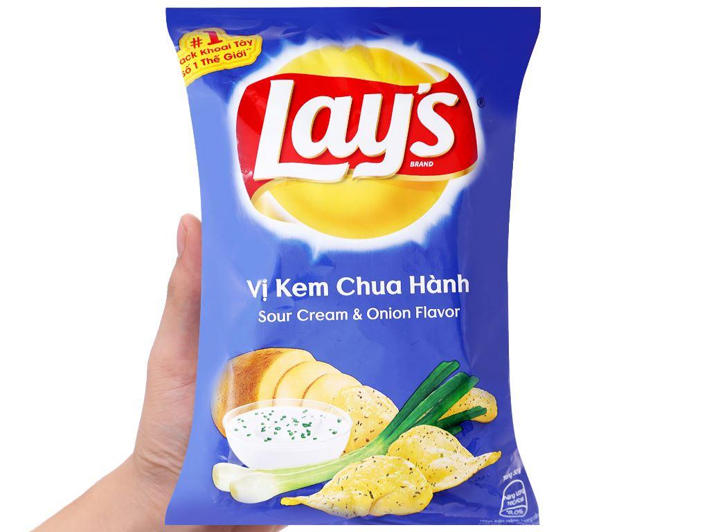 Snack khoai tây vị kem chua hành Lay's gói 29g 3