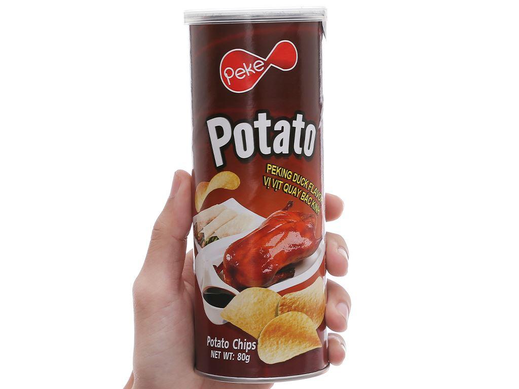 Snack khoai tây vị vịt quay bắc kinh Peke Potato Chips lon 80g 6