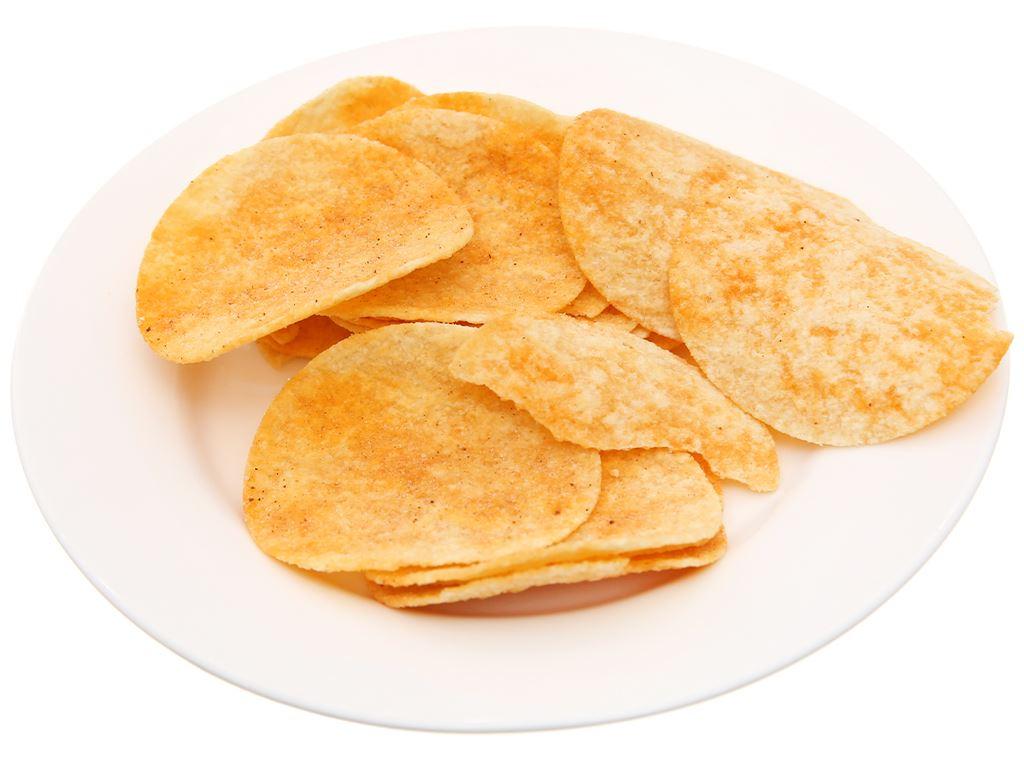 Snack khoai tây vị cay đặc biệt Pringles lon 107g 4