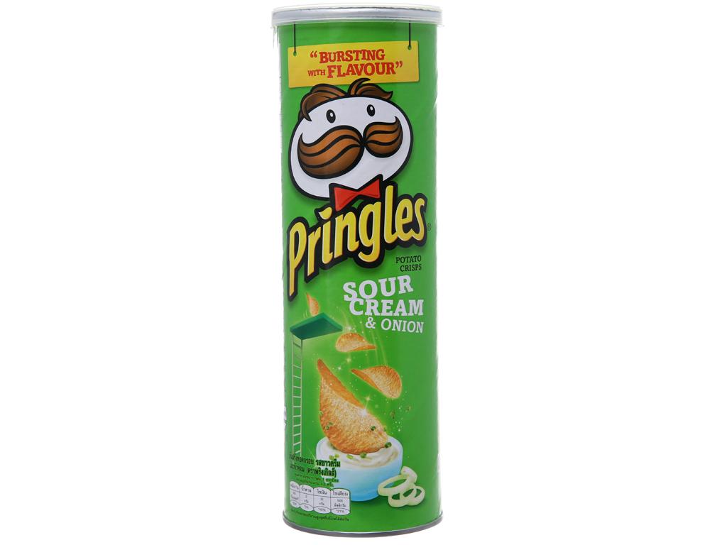 Snack khoai tây vị kem chua và hành Pringles lon 110g 1