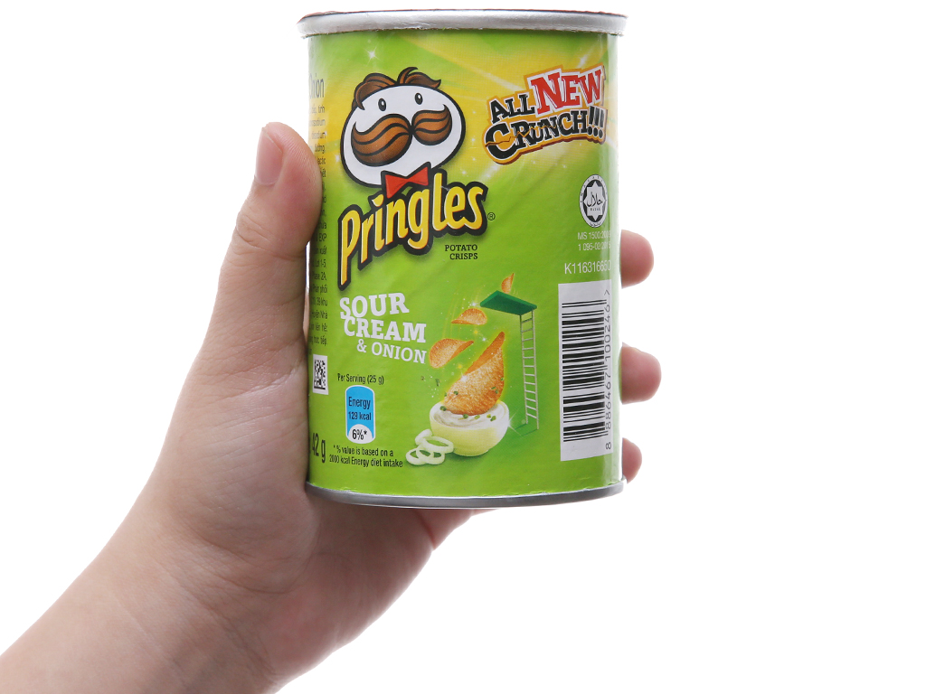 Snack khoai tây vị kem chua và hành Pringles lon 42g 3