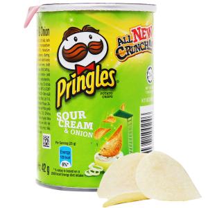 Snack khoai tây vị kem chua và hành Pringles lon 42g