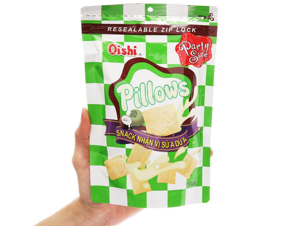 Snack nhân vị sữa dừa Oishi Pillows gói 100g 3