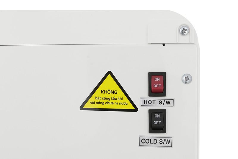 Tắt mở vòi nóng lạnh - Máy nước nóng lạnh Korihome WPK-838