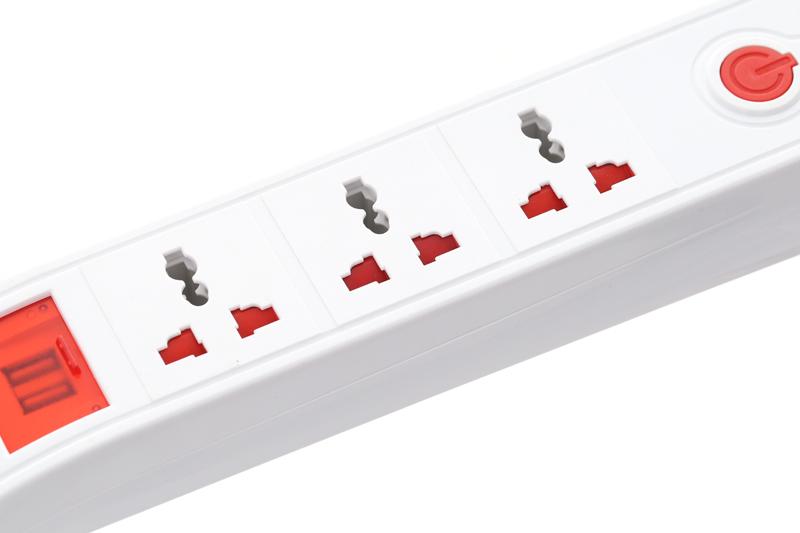 Sử dụng đa dạng với nhiều lỗ cắm - Ổ cắm điện 3 lỗ 2 USB 2m Điện Quang DBW103USB