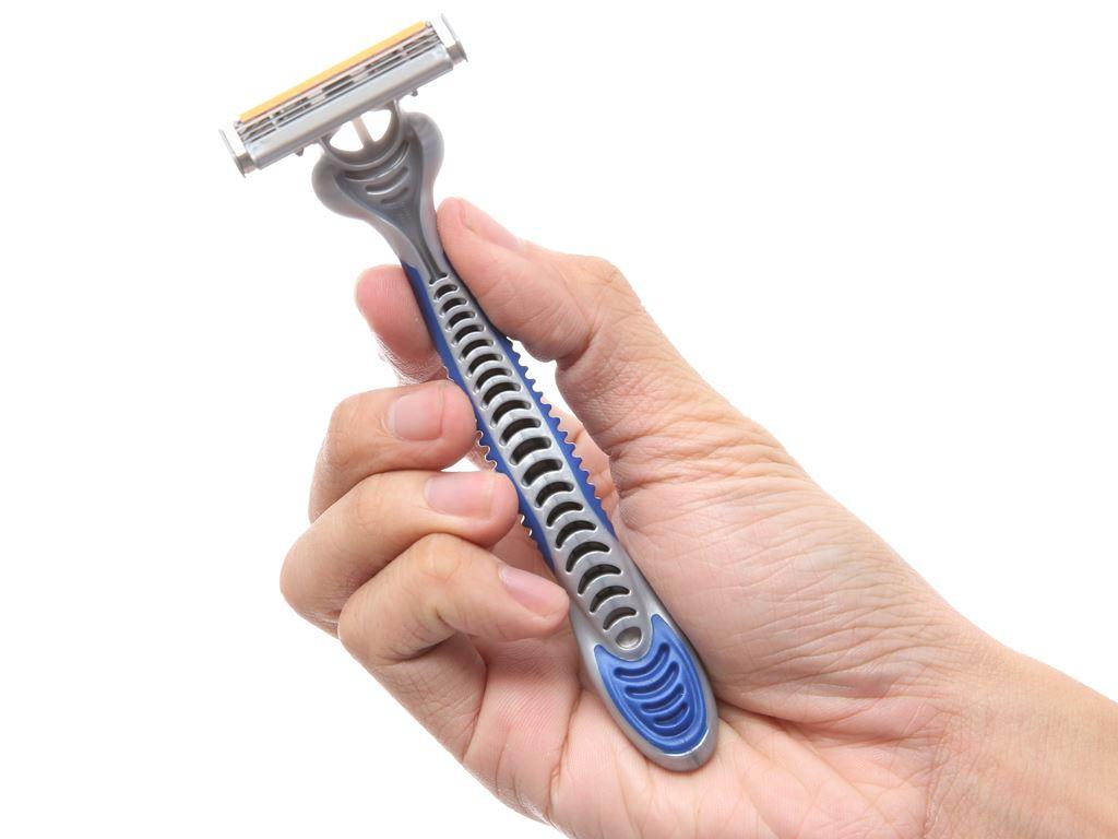 2 cây dao cạo râu 3 lưỡi Gillette Blue 3 4