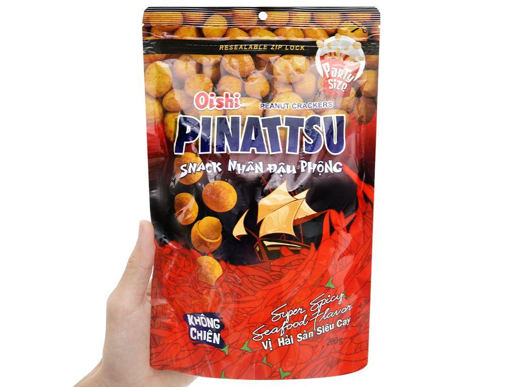 Snack nhân đậu phộng vị hải sản siêu cay Pinattsu Oishi gói 200g 4