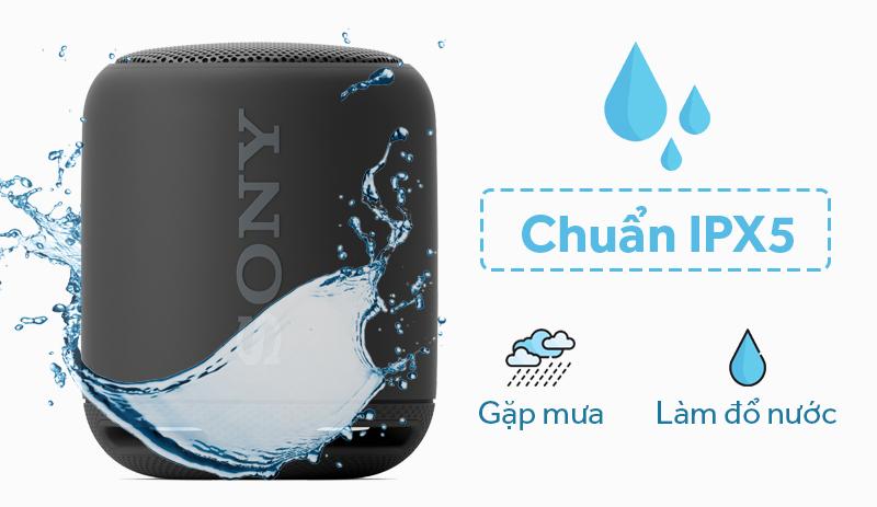 Loa bluetooth Sony SRS-XB10 - Khả năng chống thấm nước chuẩn IPX5