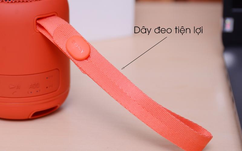 Loa Bluetooth Sony SRS-XB12 có dây đeo tiện ích