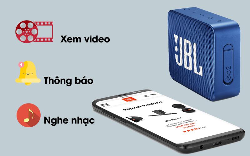 Loa Bluetooth JBL GO2BLK kết nối với điện thoại cho nhiều tiện ích khác nhau