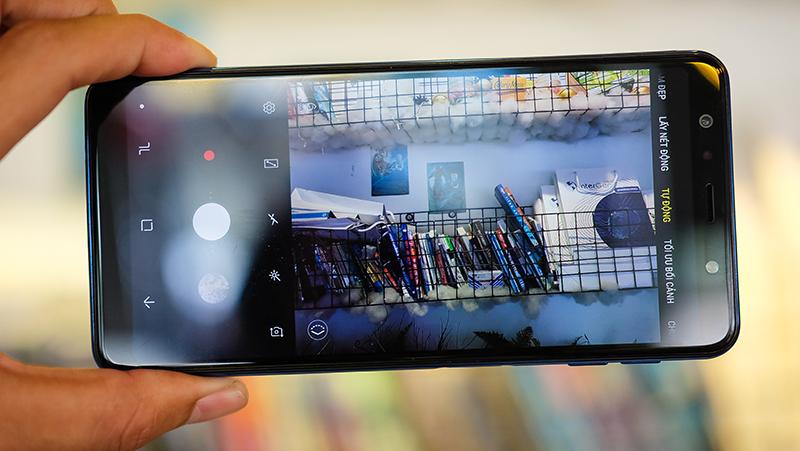 Camera sau của điện thoại Samsung Galaxy A7 (2018)