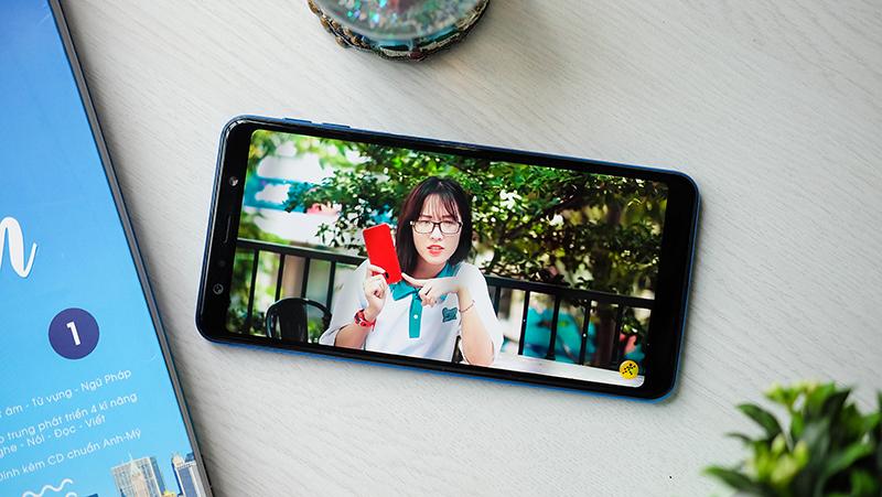Trải nghiệm trên điện thoại Samsung Galaxy A7 2018