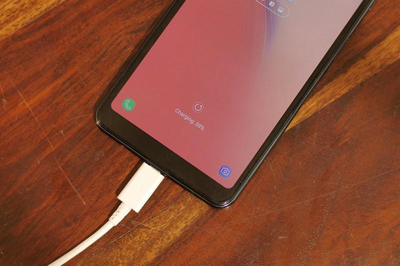 Phone - Samsung Galaxy A7 2018 - ថាមពលថ្ម 3300 mAh