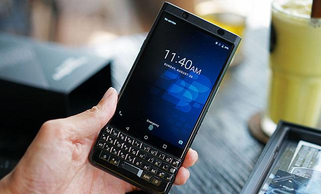 Thiết kế điện thoại BlackBerry KEYone chính hãng