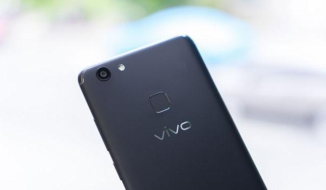 Vân tay mặt lưng điện thoại Vivo V7 Plus
